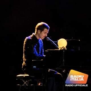 Diodato è magia pura all'Arena di Verona! Una serata indimenticabile, piena di emozioni,…