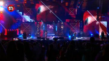 Questo è solo un assaggio dell'esibizione di J-Ax e Jake La Furia con #Salsa sul palco di …