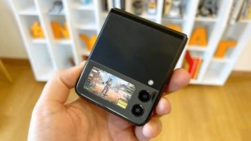 COD Mobile sullo schermo esterno di Z Flip 3 #shorts