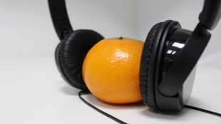 Headphones + Orange (Atif Zeb  / Wikipedia Commons).