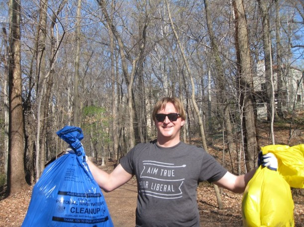 Alumni from UC San Diego's School of Global Policy and Strategy coordinated volunteer projects to give back to their local communities. Ryan Pope, M.P.I.A. '12, led the D.C. alumni in cleaning Rock Creek Park.
