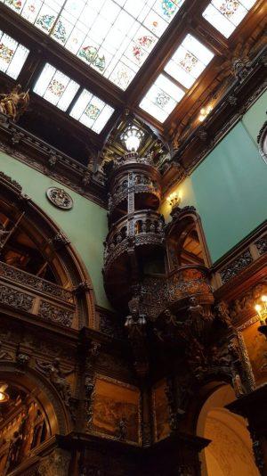 Scara interioara Catelul Peles - Trivo.ro