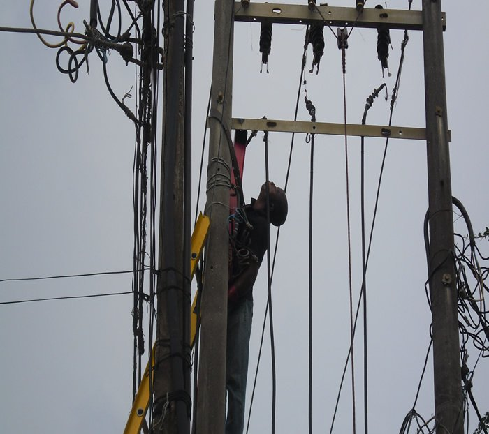 Man electrocuted to death in Rivers community