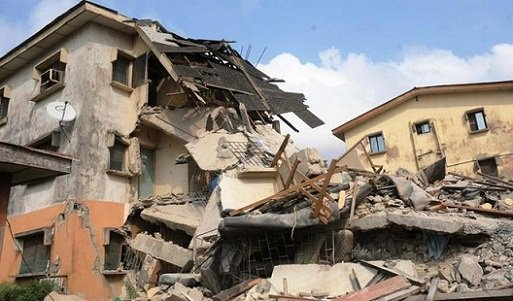 Shocking: Many feared dead as three-story building housing school collapses in Lagos