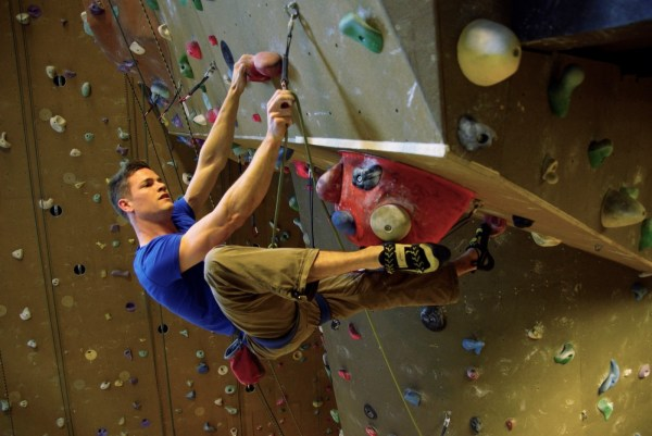Indoor Lead Climbing - Mountain Network
