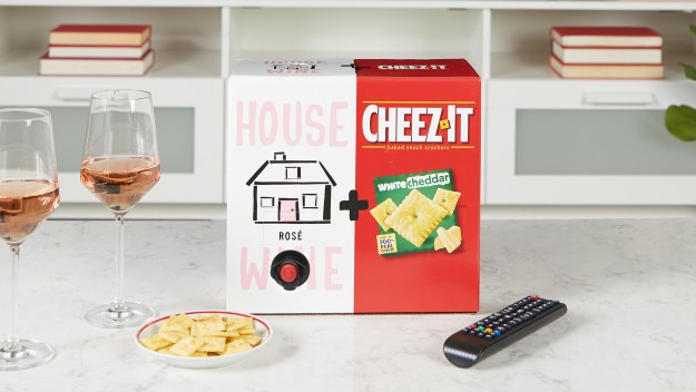 Kellogg Cheez-It White-Cheddar-House-Wine-Rose