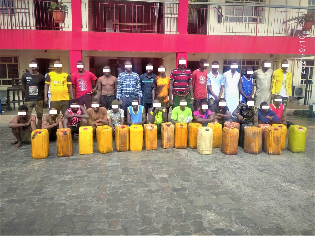 EFCC Arrests 27 Suspected Illegal Oil Bunkerers In Port Harcourt