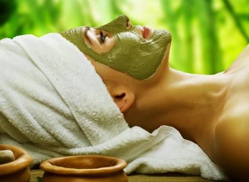 Mặt nạ lá ổi giúp chữa lành các loại mụn nhọt và loại bỏ mụn đầu đen.