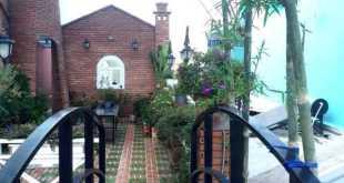 Toàn cảnh sân thượng được thiết kế khá quy mô của nhà chị Huyền Trang.
