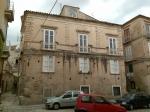 Palazzo Pontoriero-Barone Adesi lato su via Garibaldi.jpg
