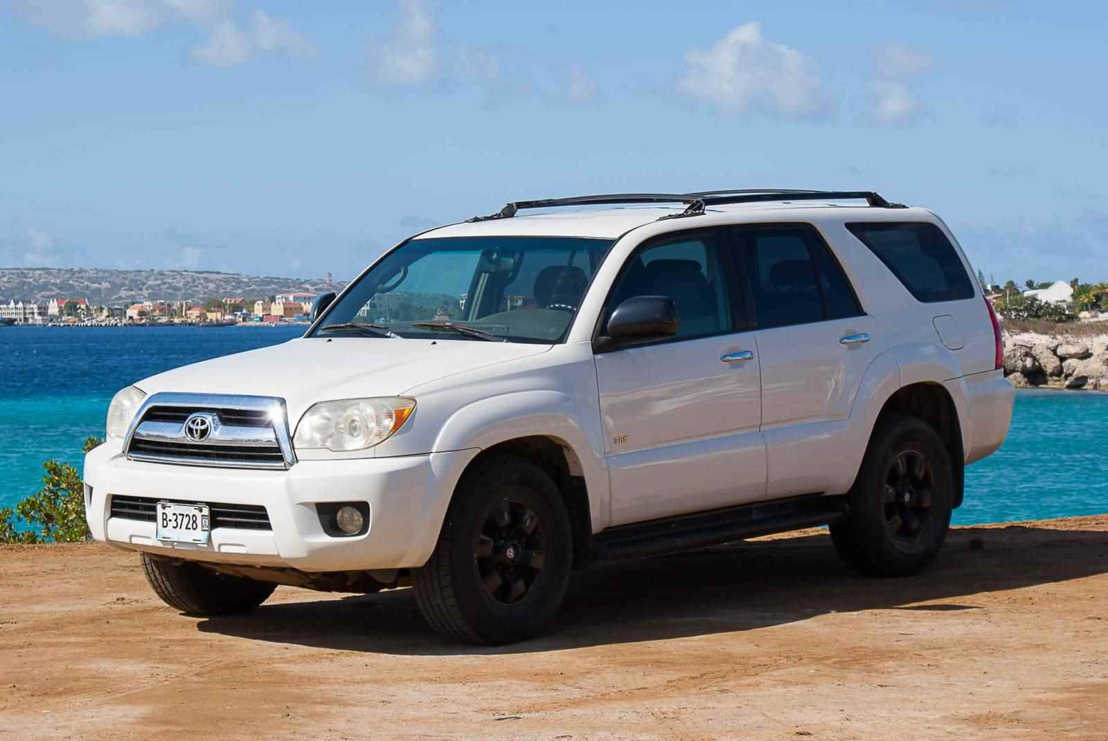Tropical Car rental Bonaire - Toyota 4 runner auto huren