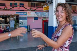 Tropical Car rental Bonaire - airport deliver keys