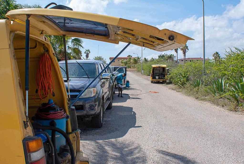 Tropical Car rental Bonaire - 24/7 support service