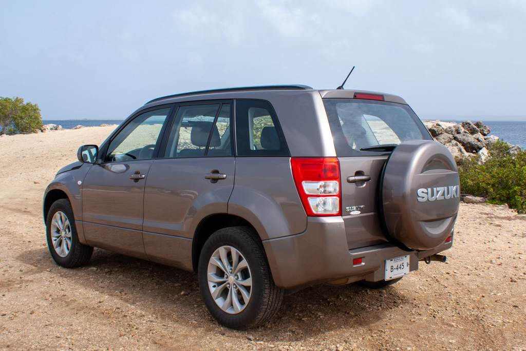 Tropical Car rental Bonaire - Suzuki Grand vitara te huur