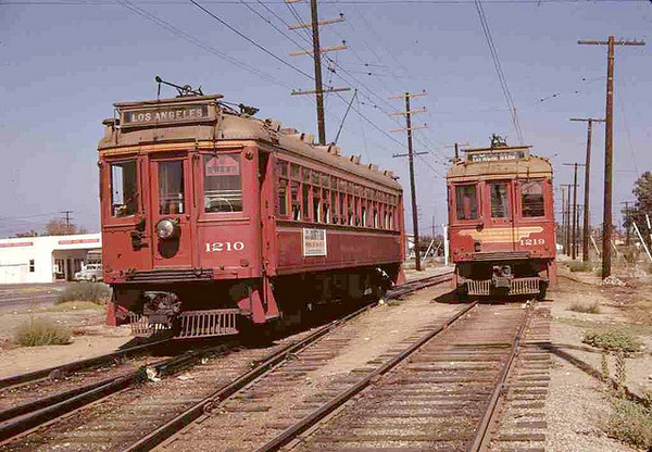 Two PE Trains Pass ca. 1940s | Photo: Metro Library and Archive/Creative Commons