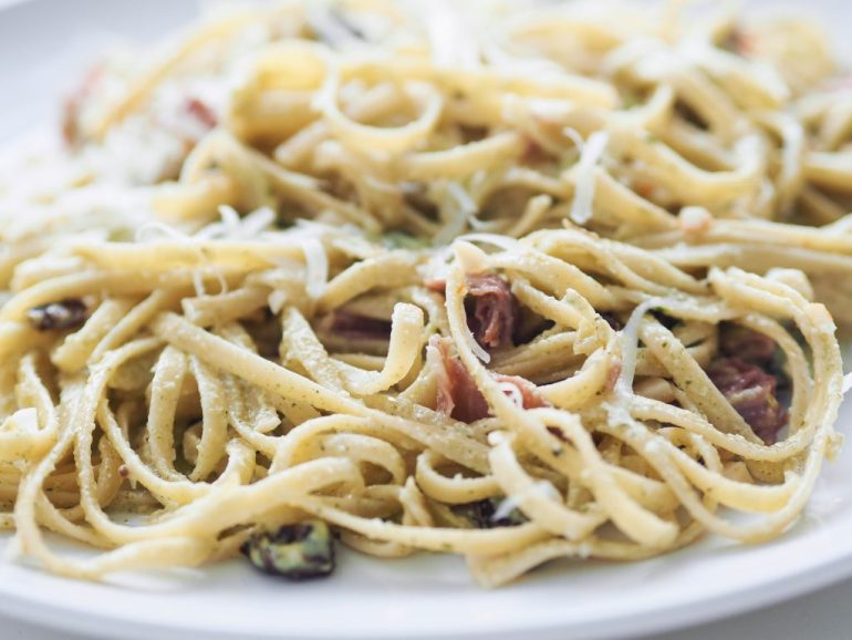 close-up mint pesto pasta