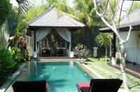 Open garden vista & Balinese influences | Tropical ...