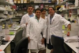 FOTO DE GRUPO EN EL LABORATORIO DEL NIH DONDE TRABAJA SERGIO