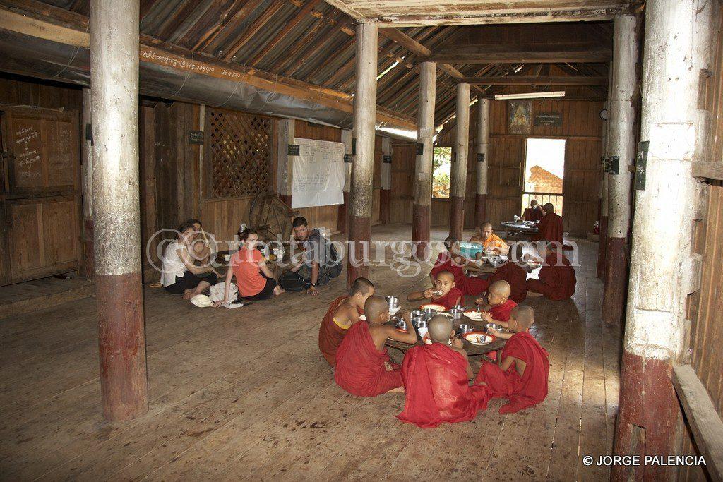 Myanmar Dia 6 Recorriendo Hsipaw En Bicicleta - Leeros-de-madera