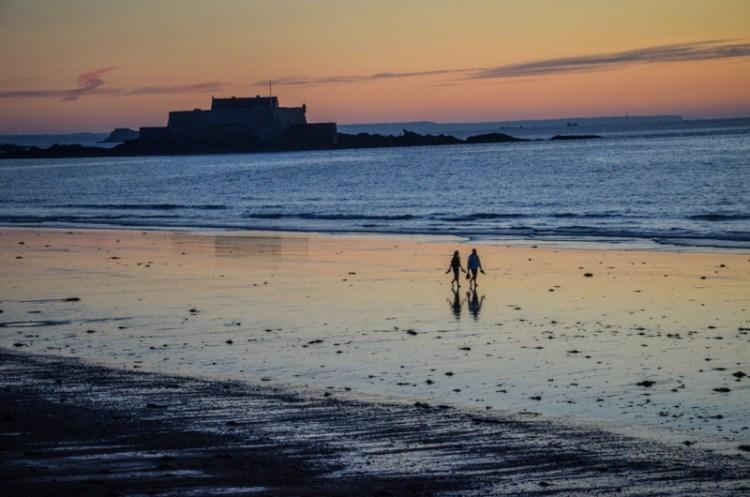 Saint-Malo bretagne coucher de soleil Trotteurs Addict blog voyage