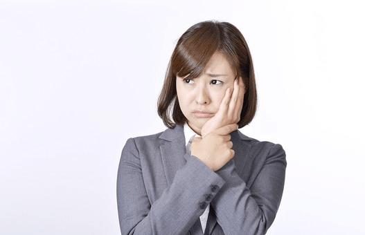為什麼牙齦又腫又痛?牙齦腫脹的5種原因,別再怪到火氣大頭上!