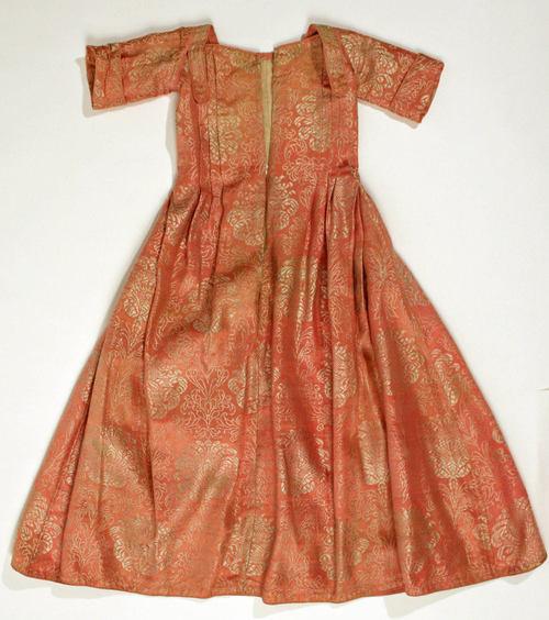 Dress 1st quarter 18th c European silk MET