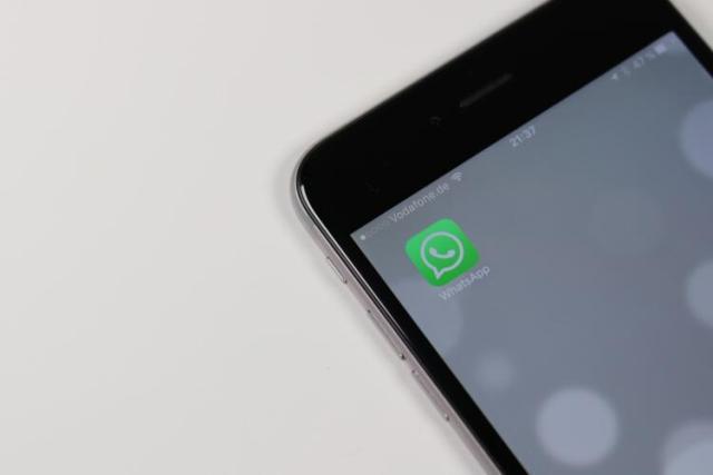 Come caricare le tue GIF animate su Whatsapp e Facebook (Guide, Guide smartphone e Telefonia, IM (Messaggistica Istantanea))