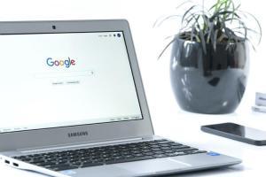 Non solo algoritmi: Google può posizionare manualmente i siti che preferisce