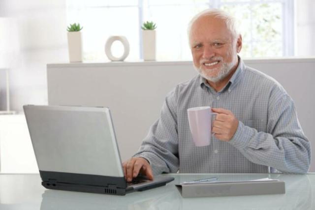 Il meme dell'anziano sorridente: chi si cela dietro Hide the Pain Harold. (News, Pensare)