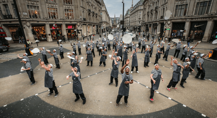 54 Pizza chefs bring london's oxford street tp a standstill - pizza flare