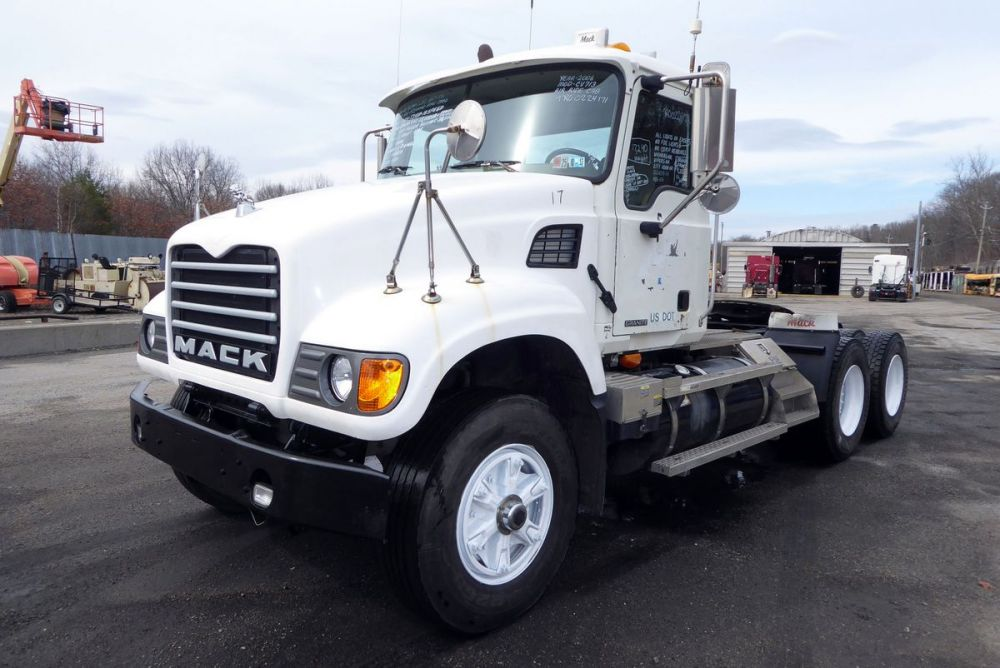 medium resolution of make mack model cv713 type tandem axle day cab tractor motor mack ai elec 427 hp air to air yes engine brake no transmission mack t310m 10 speed