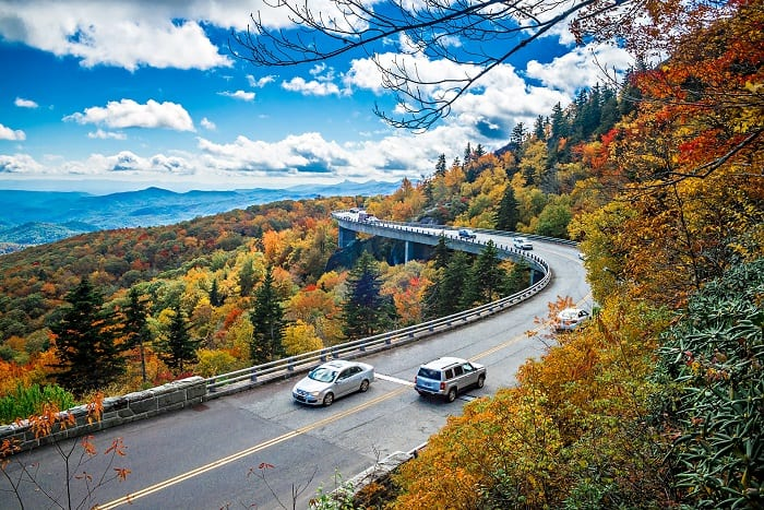 5 tips to keep your car well-maintained in the fall season