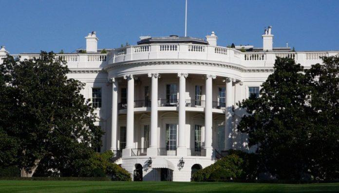Λευκός Οίκος: Ο Τραμπ δεν θα συναντηθεί με τον Πούτιν στο Βιετνάμ