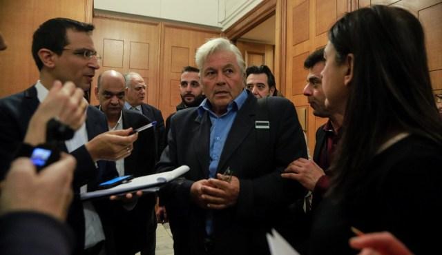 Πολιτική αντιπαράθεση προκαλεί η ολιγοήμερη αναβολή της παραίτησης του Θ. Παπαχριστόπουλου