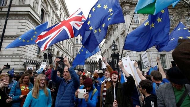 «Brexsick και ακυβερνησία»: Τα βρετανικά ΜΜΕ ενόψει τέταρτης ψηφοφορίας
