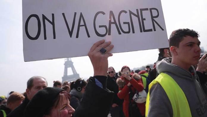 Γαλλία: Ο στρατός συνδράμει την αστυνομία στην αντιμετώπιση των «κίτρινων γιλέκων»