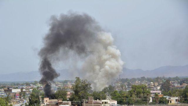 Ισχυρή έκρηξη και πυροβολισμοί στην Καμπούλ