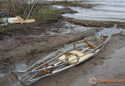 фото: лодка из пластиковых трубопрокатов