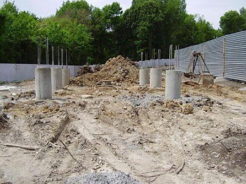 Фото 4. Сваи для строительства основания