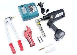 фото: инструменты для монтажа водоснабжения