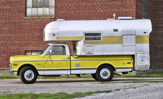 1969 Truck Avion Camper