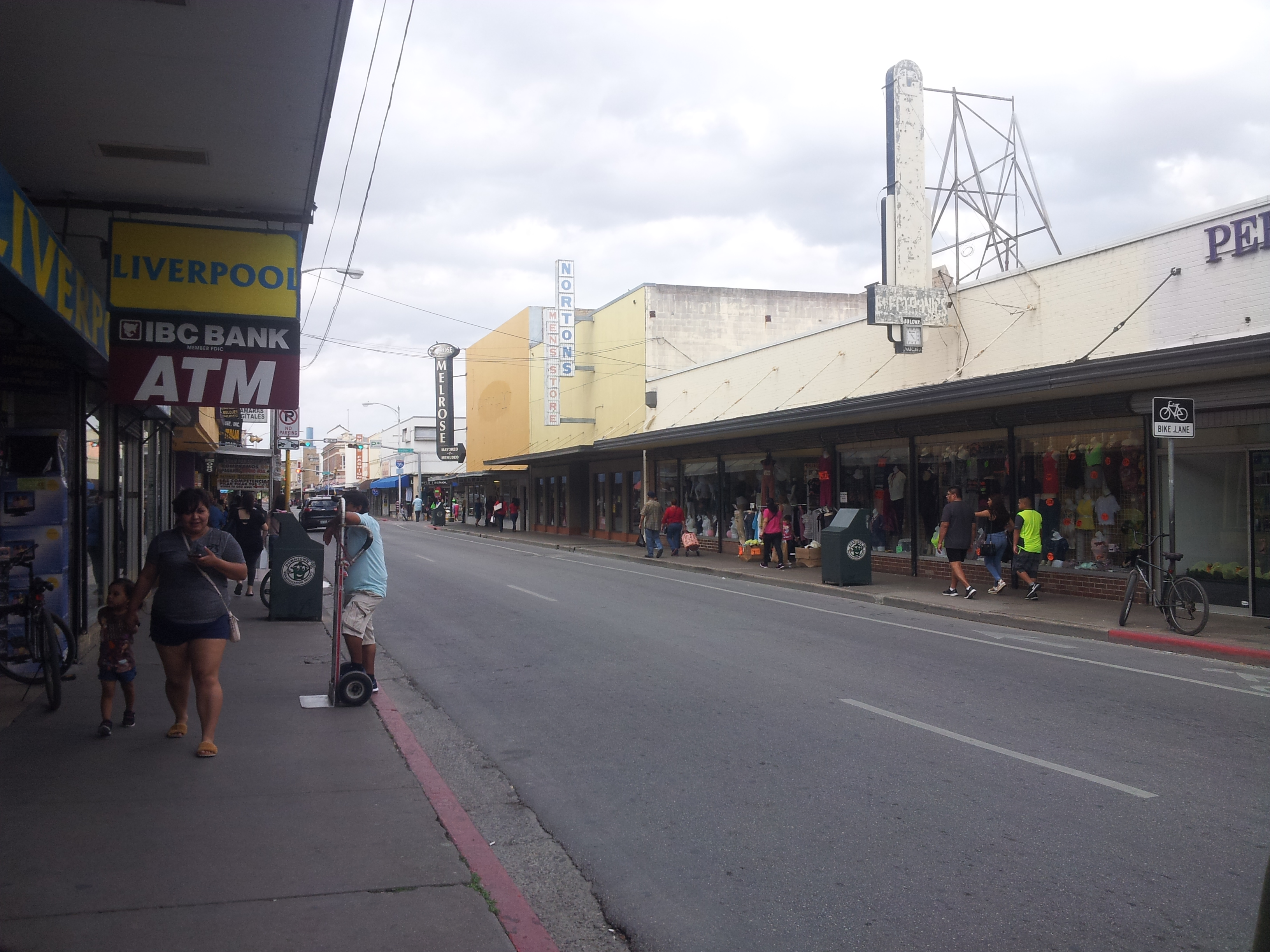 03 March: Downtown Laredo – TRUCKHUIS