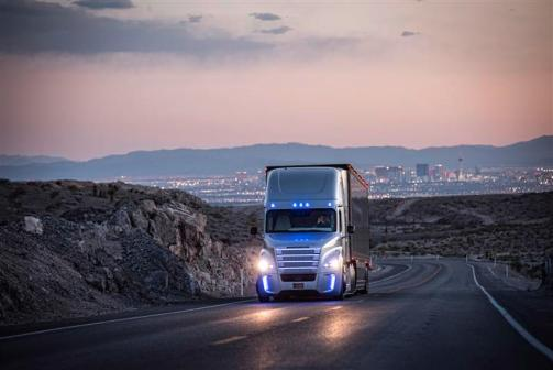 The Freightliner Inspiration Autonomous Truck on a US highway near Las Vegas, on 5 May 2015