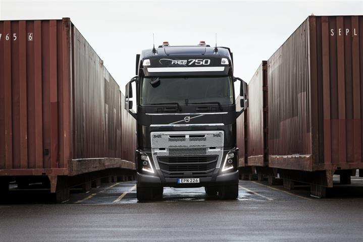 Volvo Trucks demonstrates crawler gears