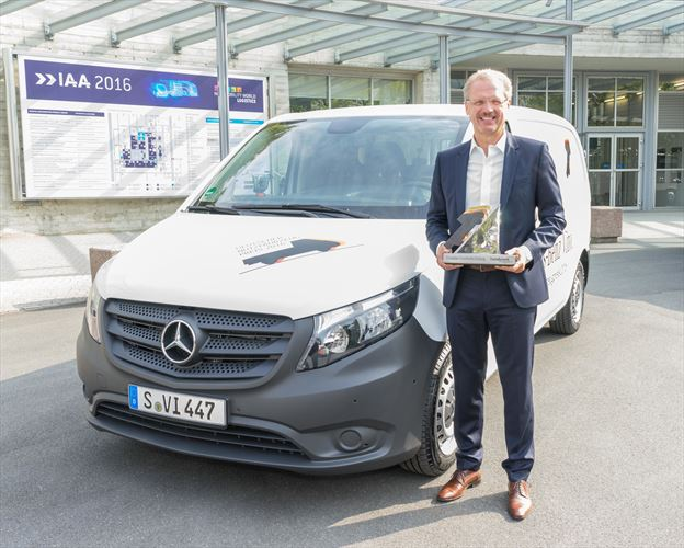 Mercedes-Benz Vito receives German Commercial Vehicle Prize 2016 at the IAA