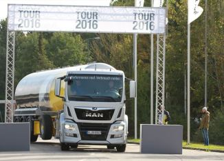 man-took-its-new-tg-model-ranges-on-the-road-to-meet-its-european-customers-in-a-roadshow-that-covered-9800-km_880x500