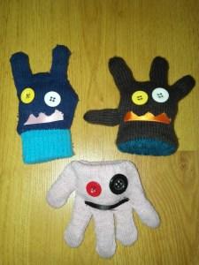 diy crea monstruos con guantes.