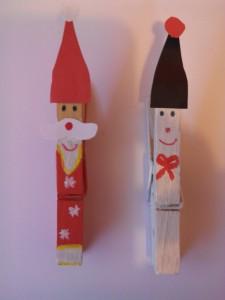 crea dornos navideños con pinzas de la ropa