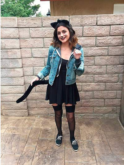 Disfraz casero de halloween para chica de gatita sexy