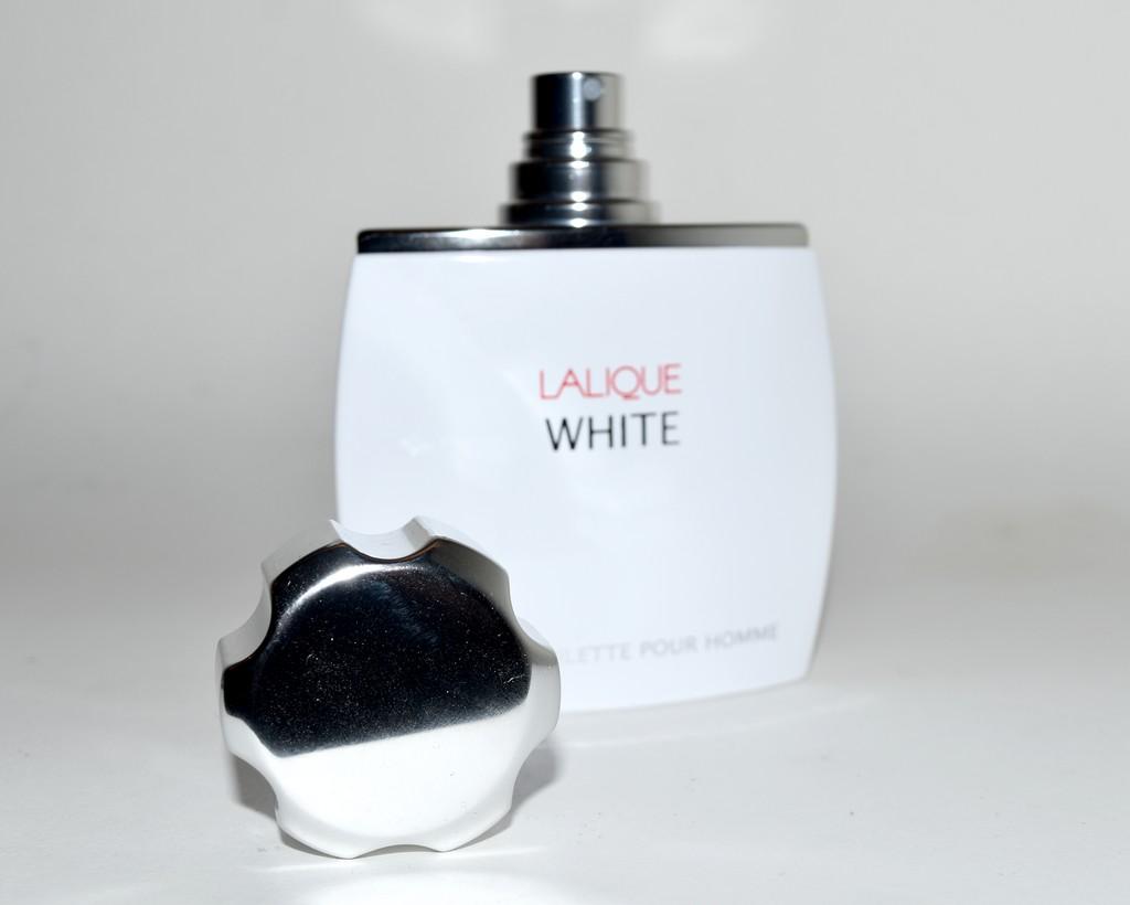 Lalique White, eau de toilette raffinée. Test & avis